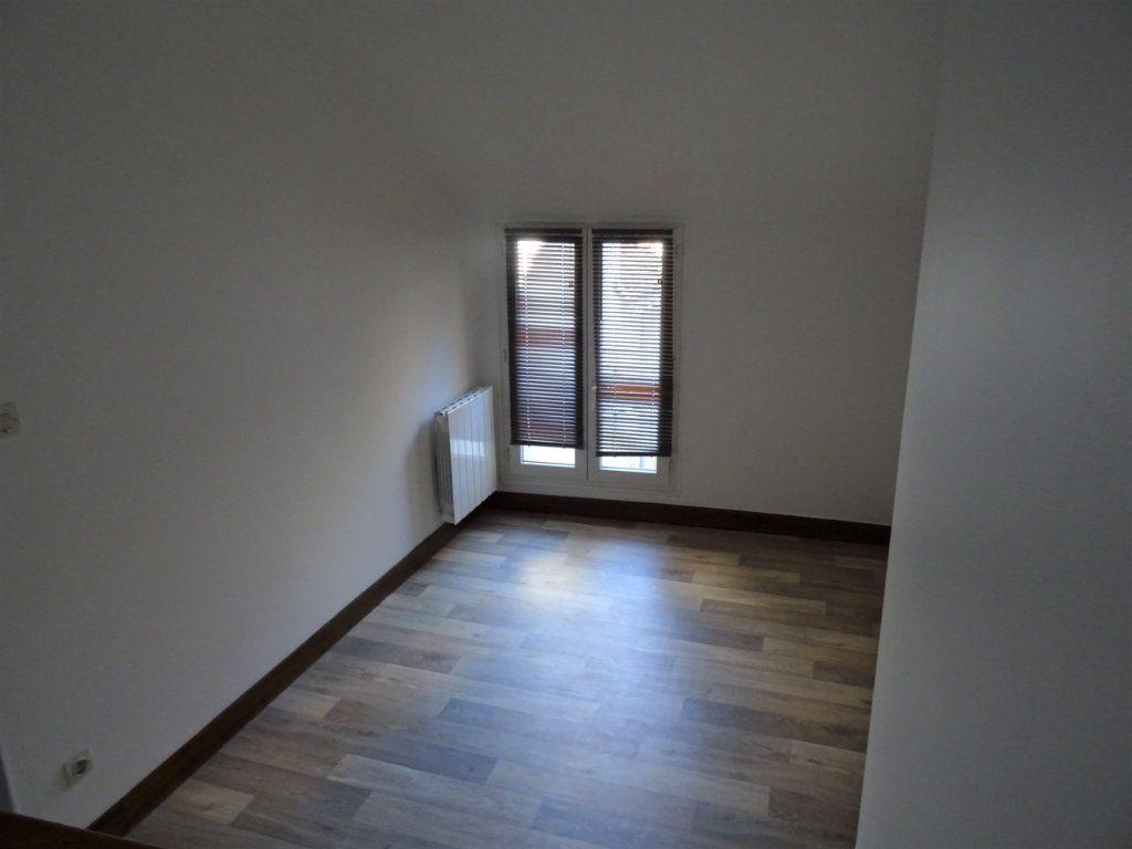 Appartement à louer 2 20m2 à Nogent-le-Rotrou vignette-1
