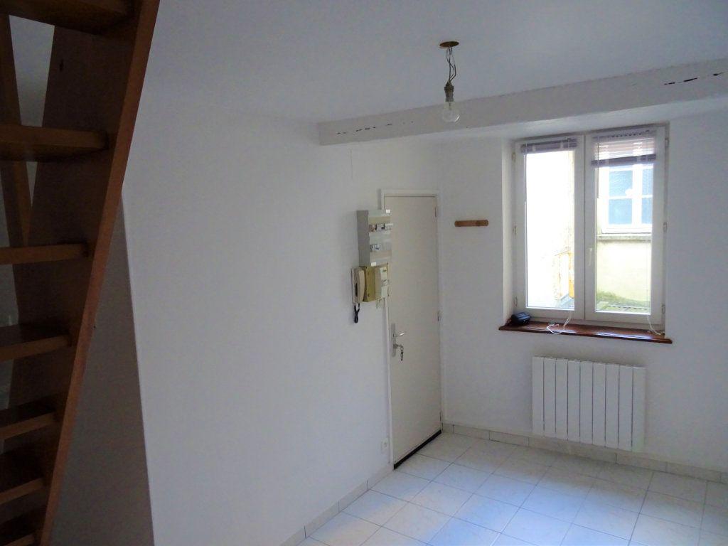 Appartement à louer 2 20m2 à Nogent-le-Rotrou vignette-2