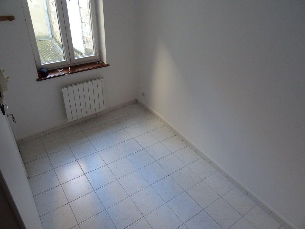 Appartement à louer 2 20m2 à Nogent-le-Rotrou vignette-5