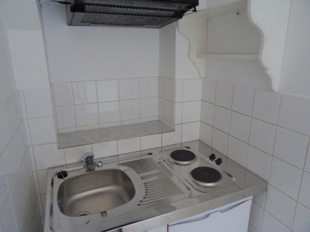 Appartement à louer 2 20m2 à Nogent-le-Rotrou vignette-9