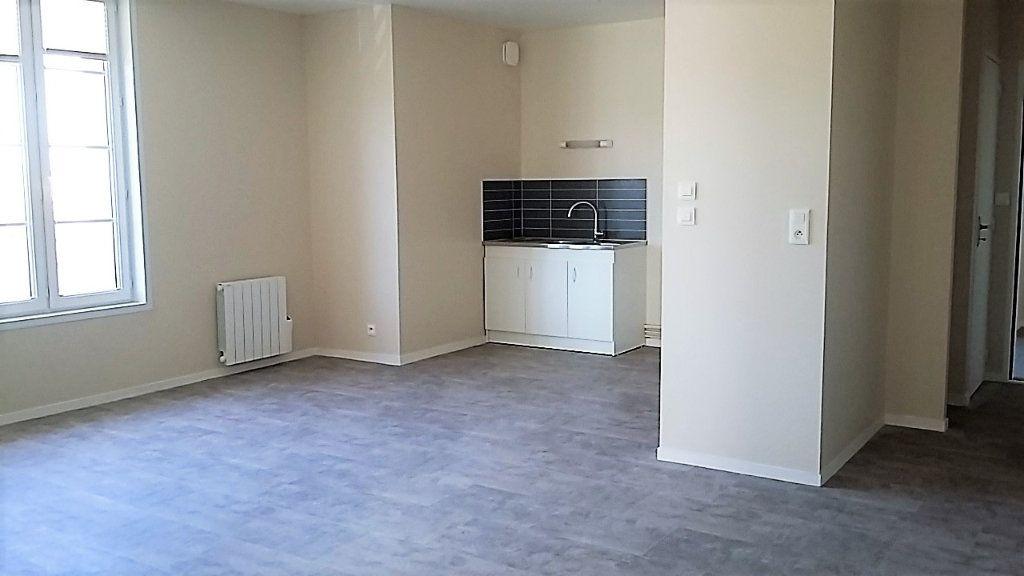 Appartement à louer 2 56m2 à Chassant vignette-1