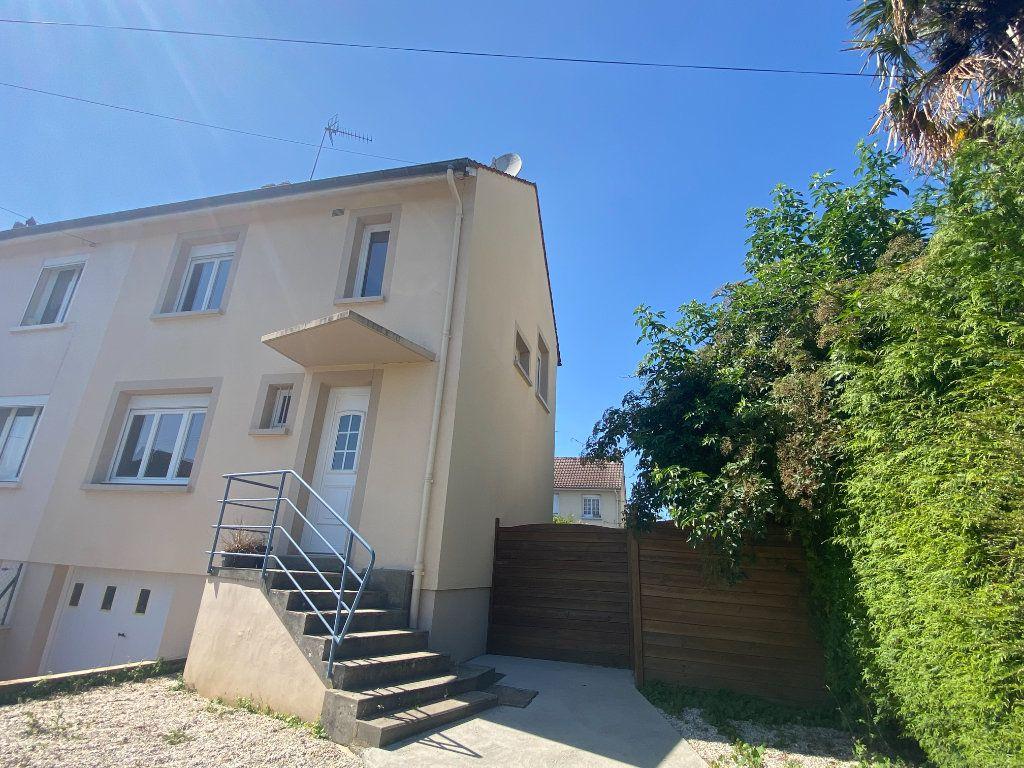 Maison à louer 4 66m2 à Alençon vignette-2