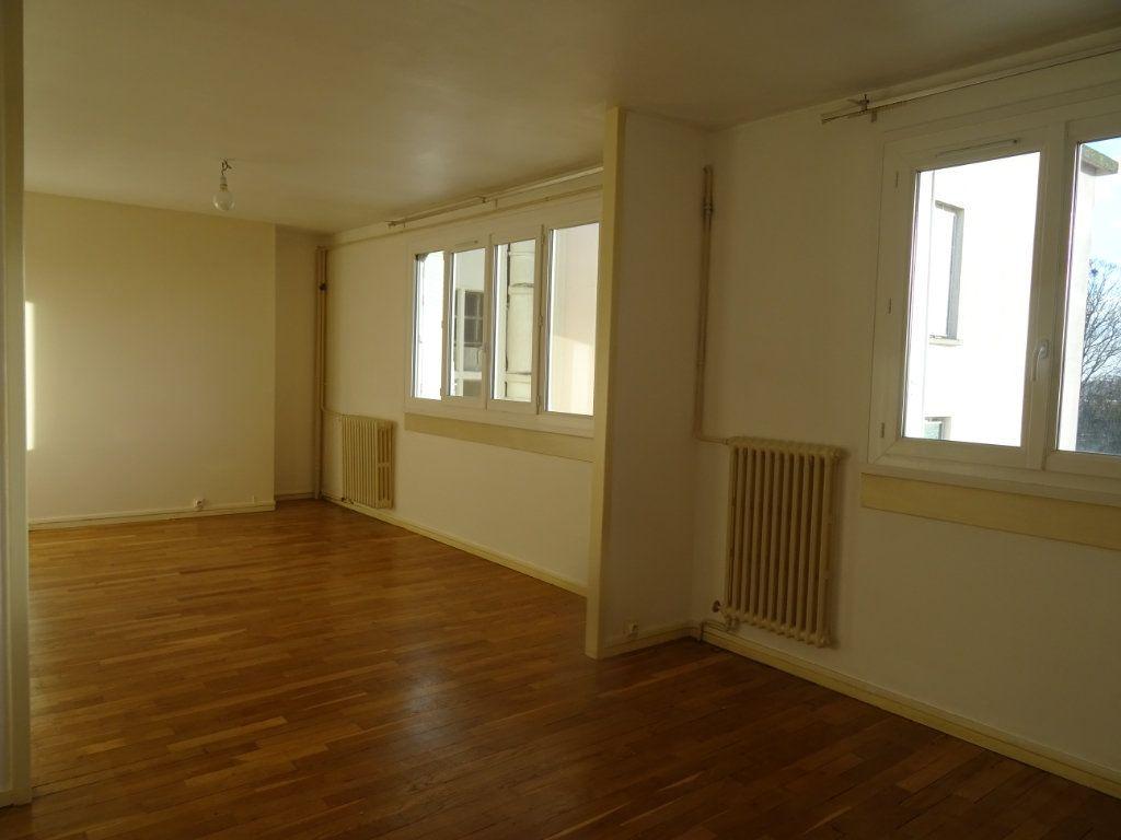 Appartement à vendre 3 57m2 à Alençon vignette-1