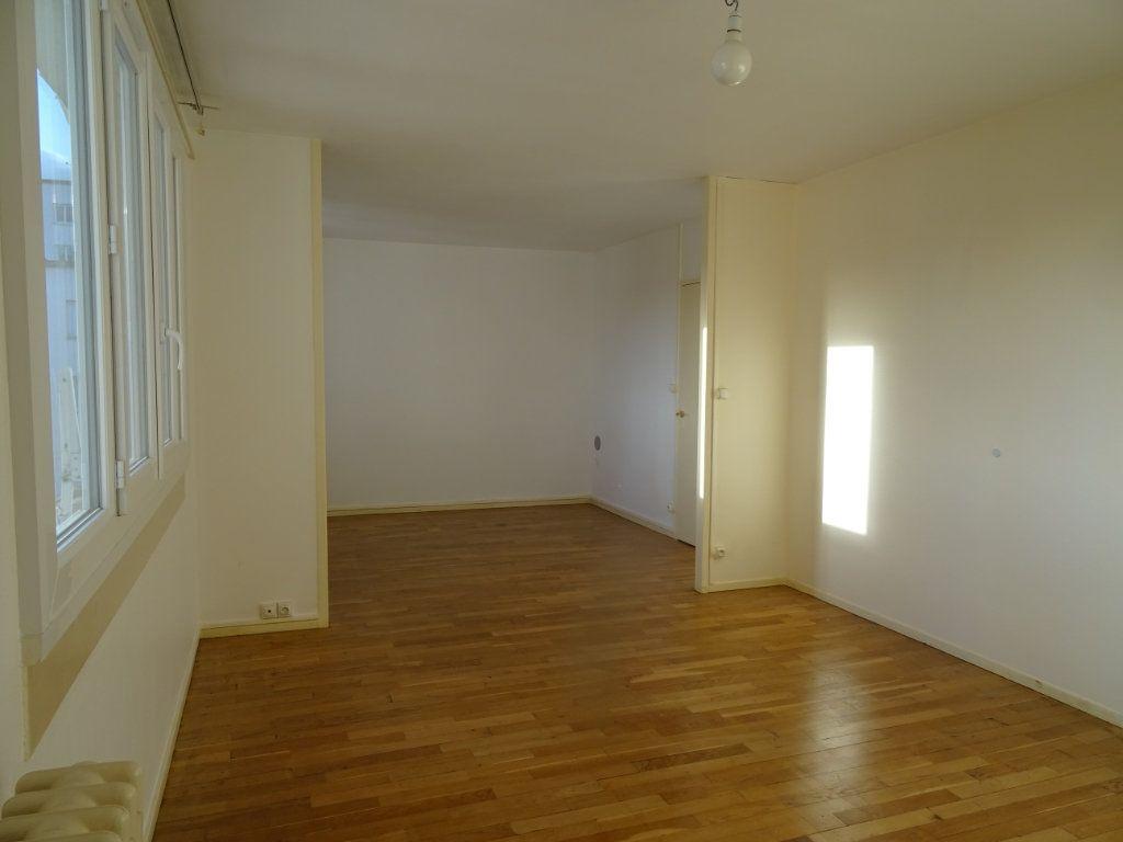 Appartement à vendre 3 57m2 à Alençon vignette-3