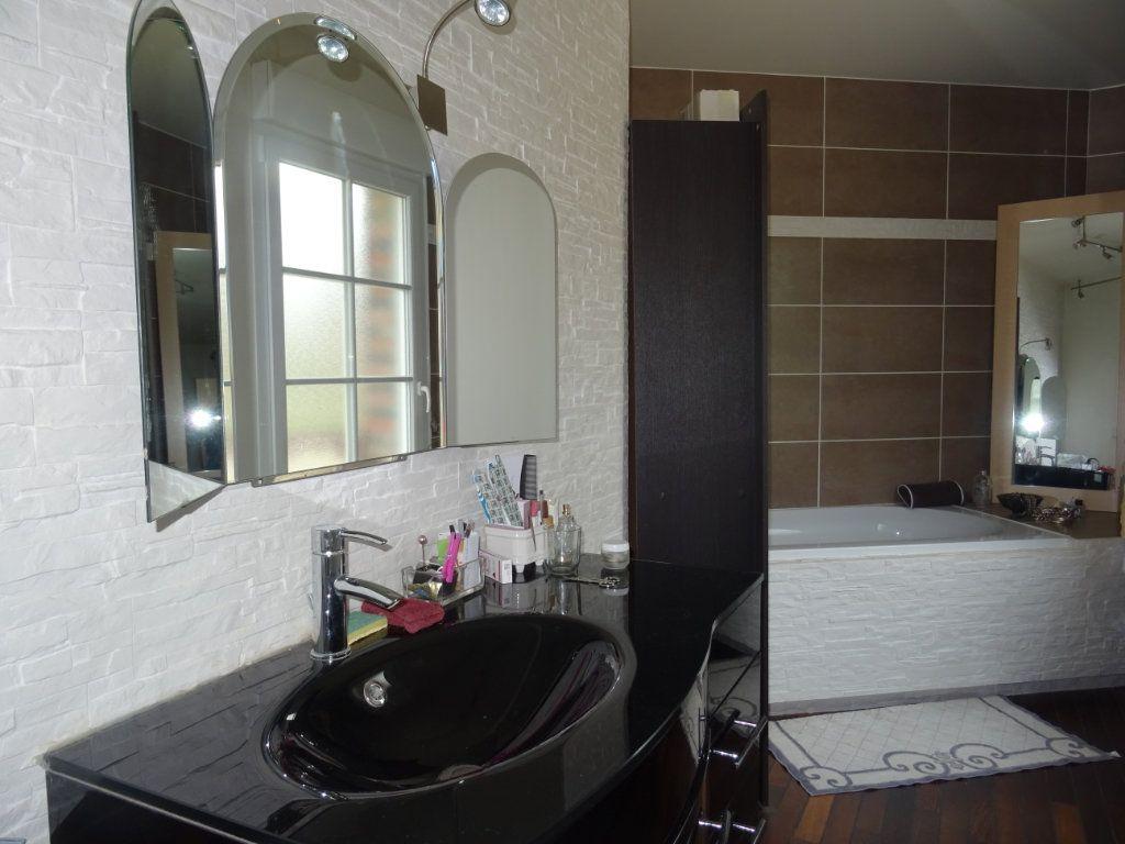 Maison à vendre 7 190m2 à Saint-Germain-du-Corbéis vignette-8
