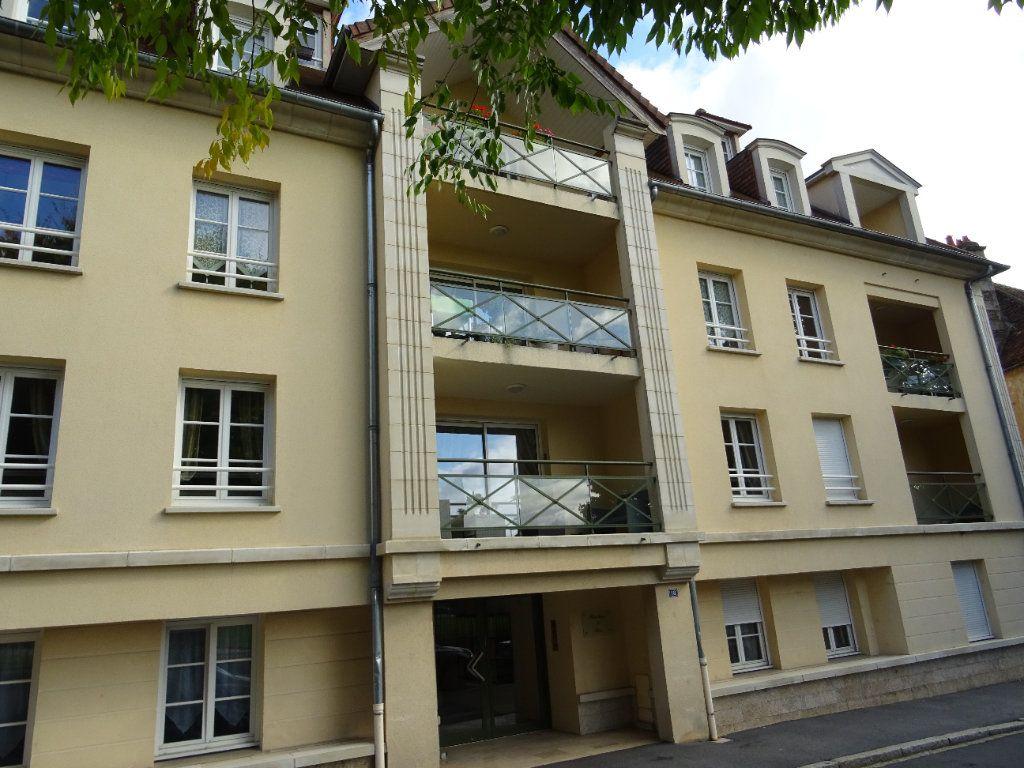 Appartement à vendre 5 110m2 à Alençon vignette-1