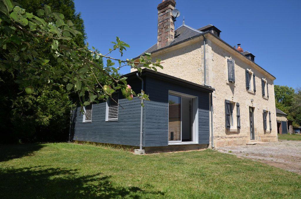 Maison à vendre 8 170m2 à Le Mêle-sur-Sarthe vignette-2
