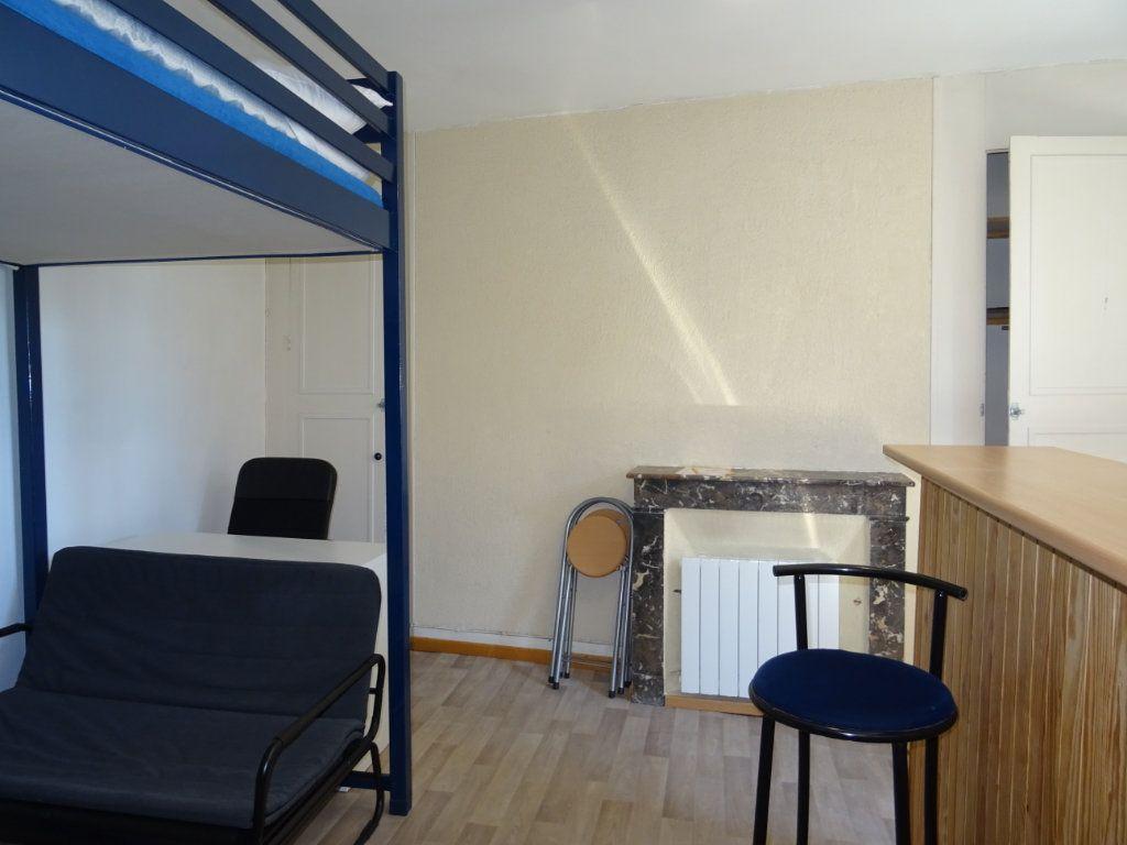 Appartement à louer 1 22m2 à Alençon vignette-2