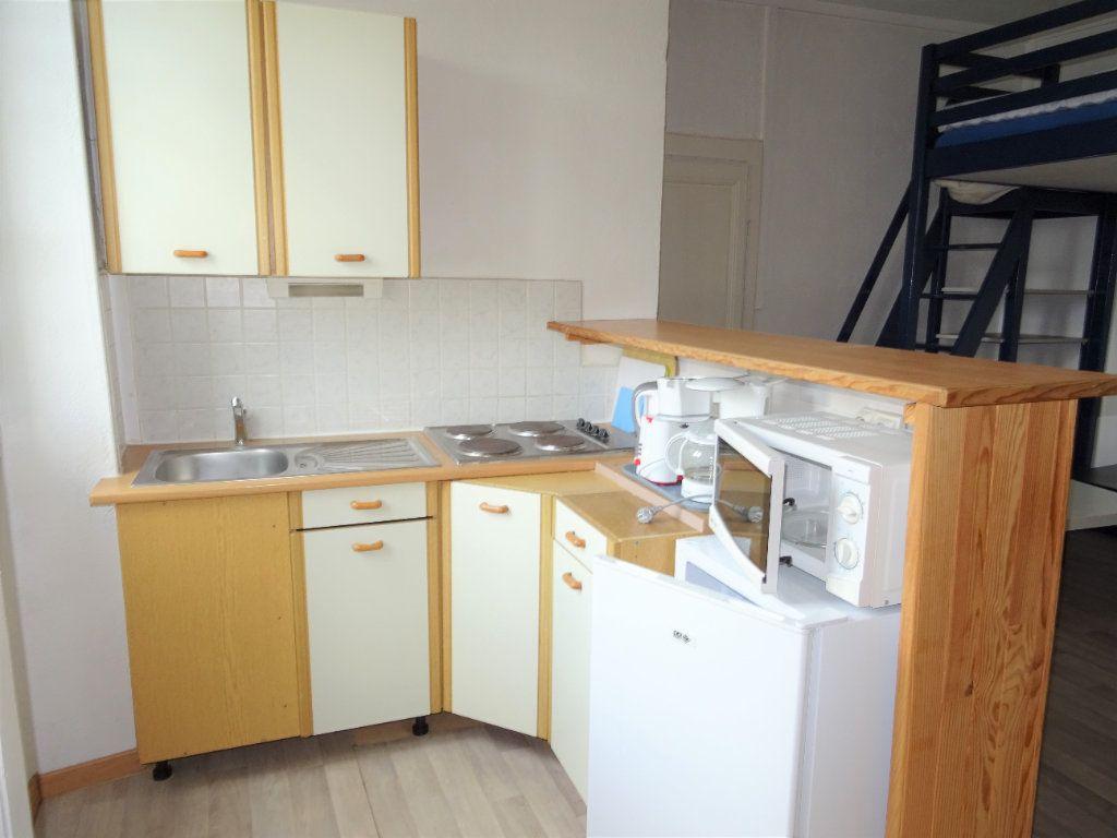 Appartement à louer 1 22m2 à Alençon vignette-3
