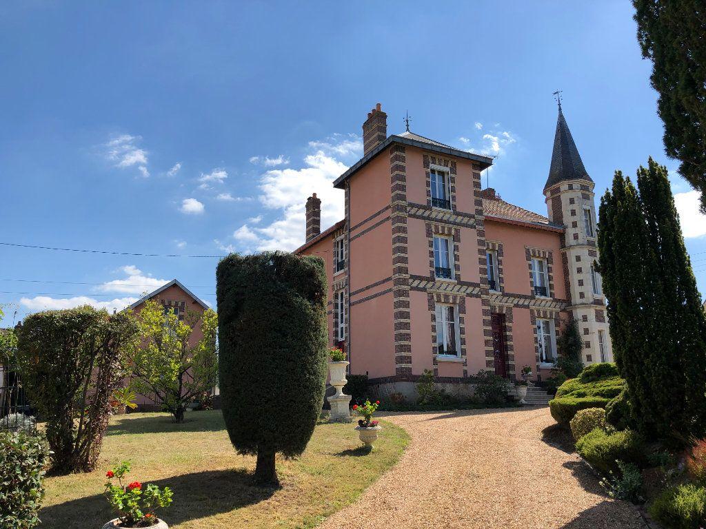 Maison à vendre 8 242m2 à Nogent-le-Rotrou vignette-1