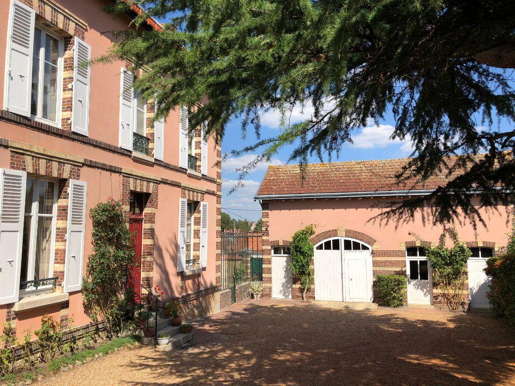 Maison à vendre 8 242m2 à Nogent-le-Rotrou vignette-4