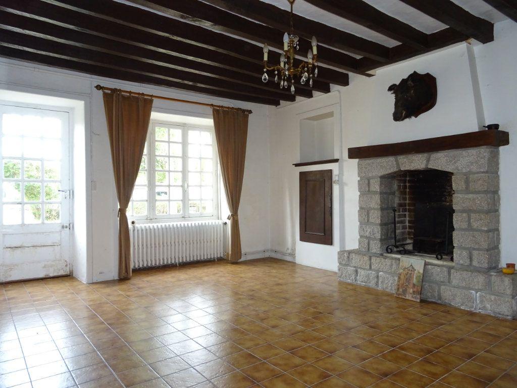 Maison à vendre 6 140m2 à Bérus vignette-3
