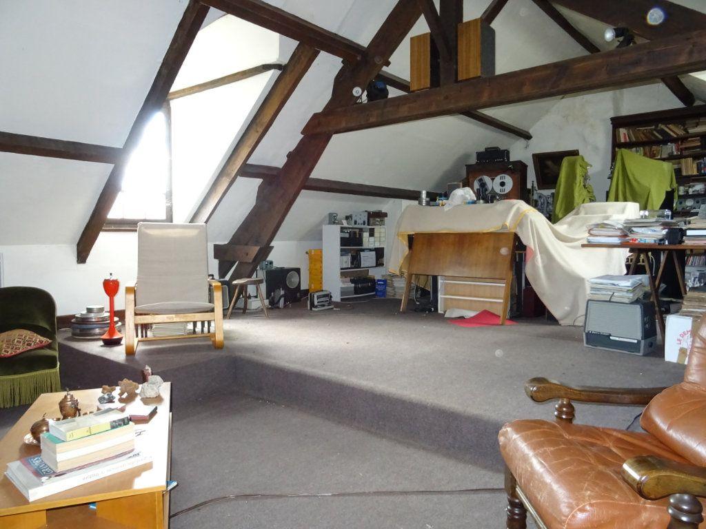 Maison à vendre 6 140m2 à Bérus vignette-5
