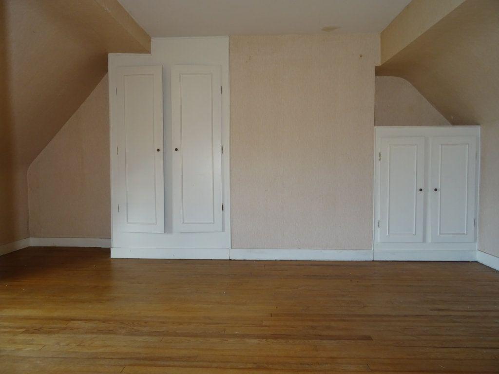 Maison à vendre 6 140m2 à Bérus vignette-6