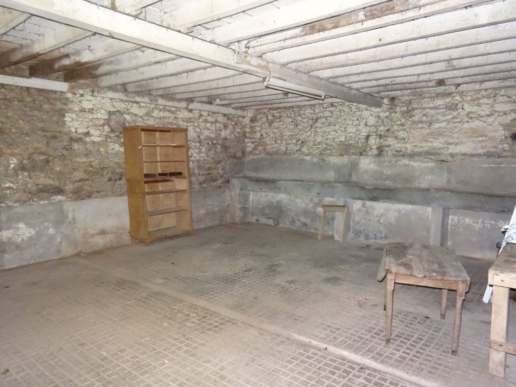 Maison à vendre 5 110m2 à La Ferrière-Bochard vignette-13