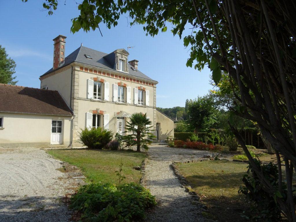 Maison à vendre 7 160m2 à Oisseau-le-Petit vignette-1