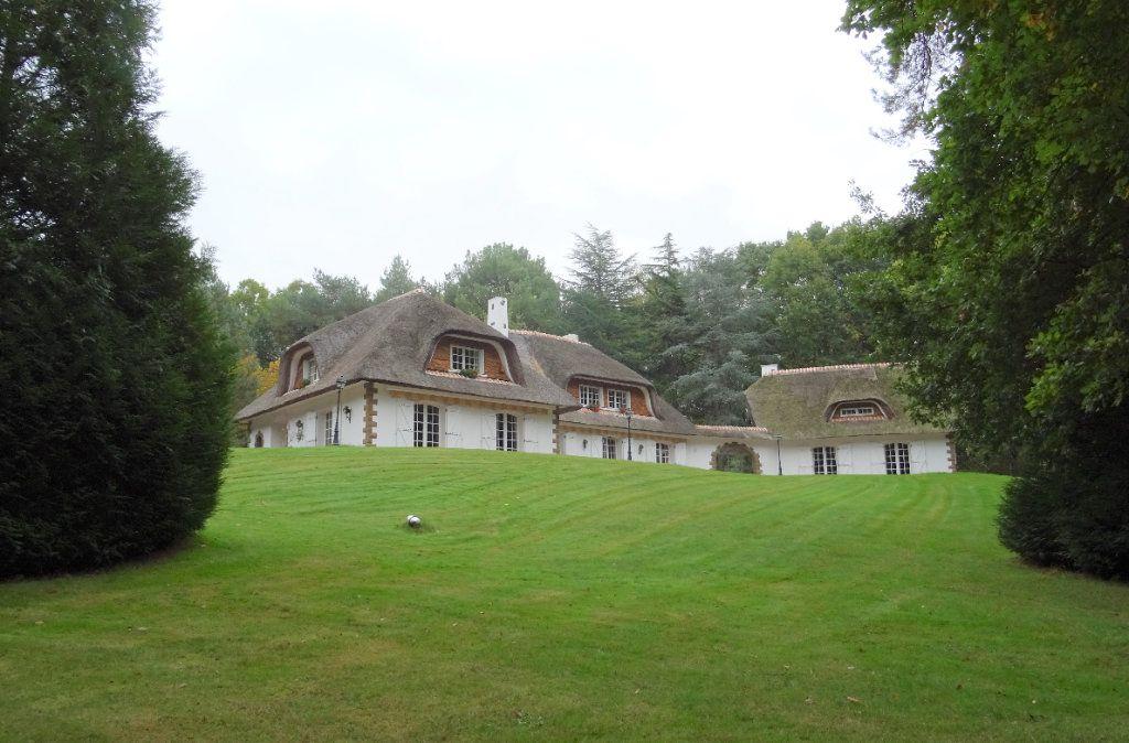 Maison à vendre 14 500m2 à Oisseau-le-Petit vignette-3