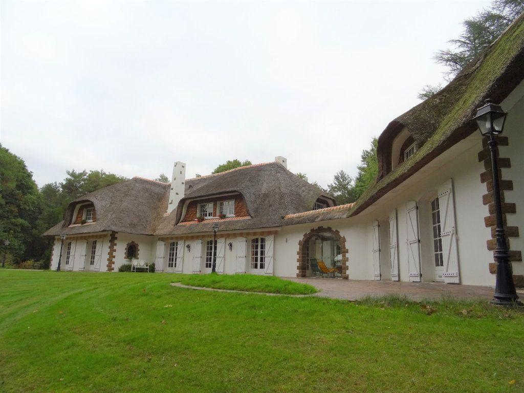 Maison à vendre 14 500m2 à Oisseau-le-Petit vignette-10