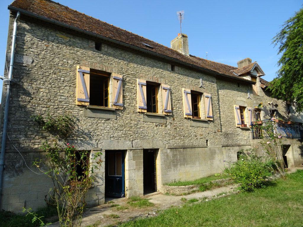 Maison à vendre 4 90m2 à Saint-Germain-du-Corbéis vignette-1
