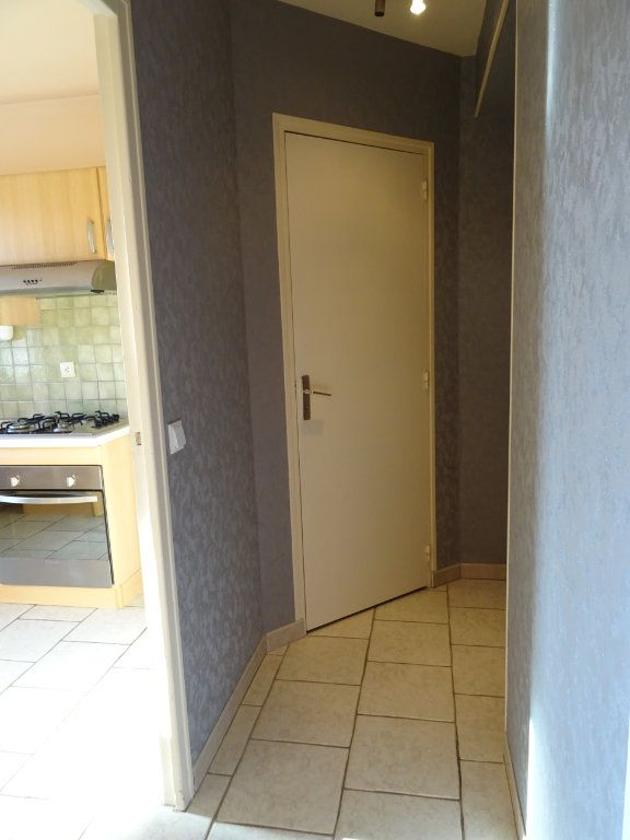 Appartement à louer 1 32.17m2 à Margon vignette-11