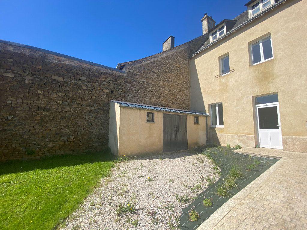 Appartement à louer 2 29.86m2 à Moulins-le-Carbonnel vignette-1