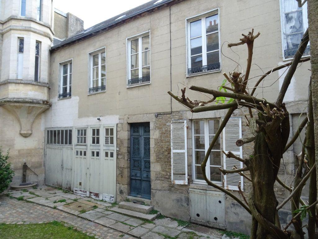 Appartement à vendre 5 118m2 à Alençon vignette-1