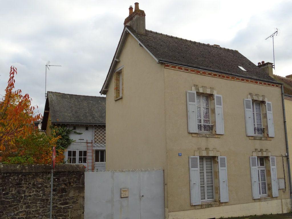 Maison à vendre 5 85m2 à Fresnay-sur-Sarthe vignette-1
