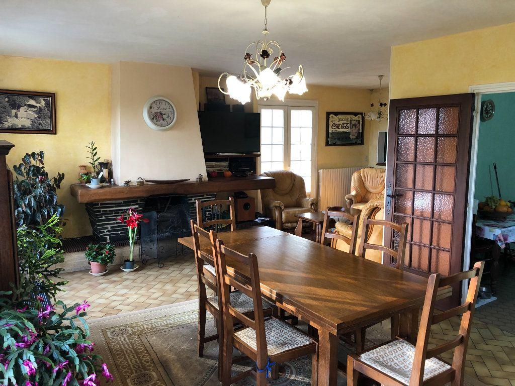 Maison à vendre 9 174m2 à Nogent-le-Rotrou vignette-3