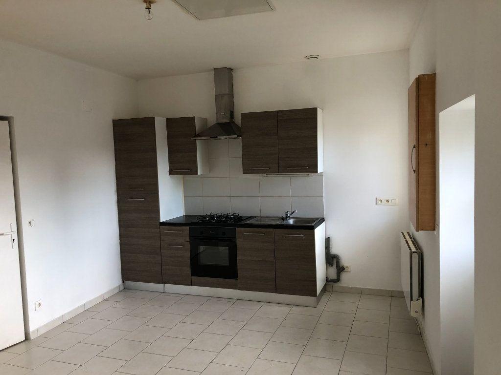 Maison à vendre 2 32m2 à Nogent-le-Rotrou vignette-2