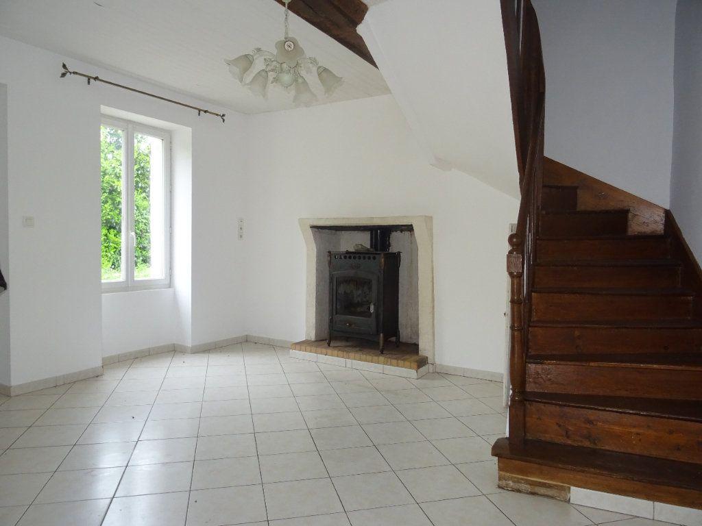 Maison à vendre 4 75m2 à Sougé-le-Ganelon vignette-2