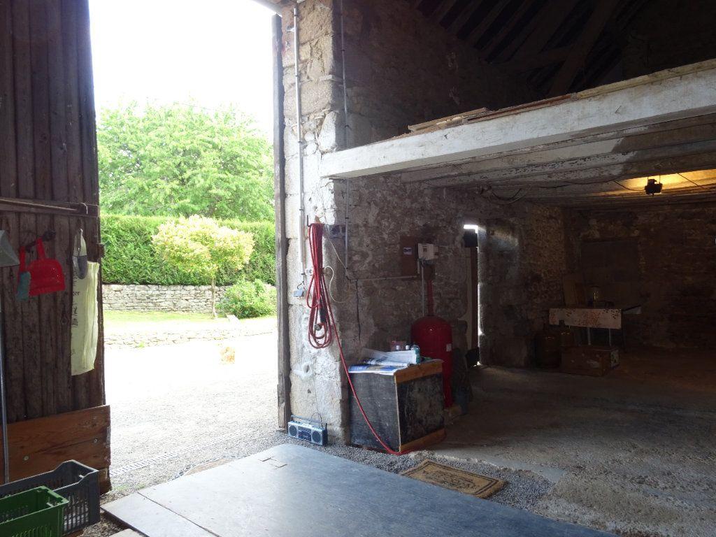 Maison à vendre 6 120m2 à La Ferrière-Bochard vignette-7