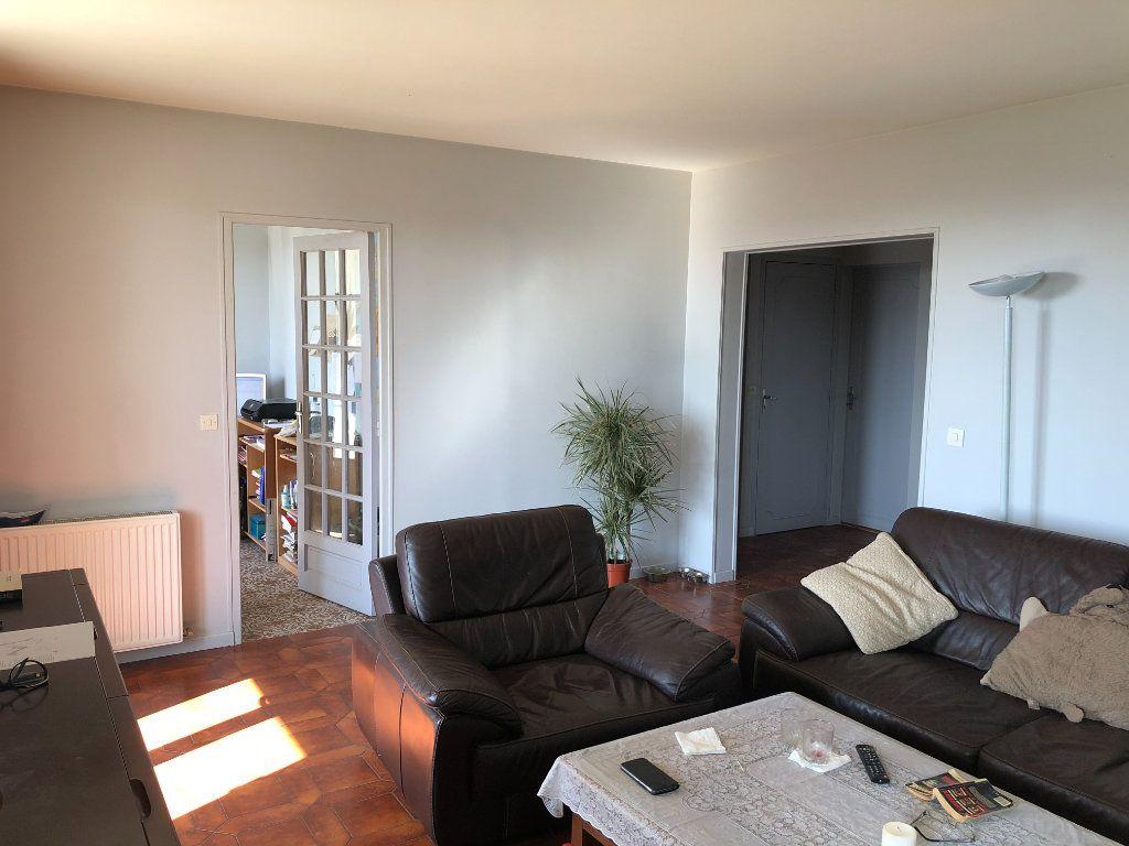 Maison à vendre 6 161m2 à Nogent-le-Rotrou vignette-6