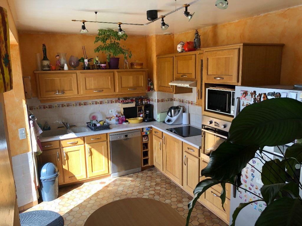 Maison à vendre 5 91m2 à Nogent-le-Rotrou vignette-1