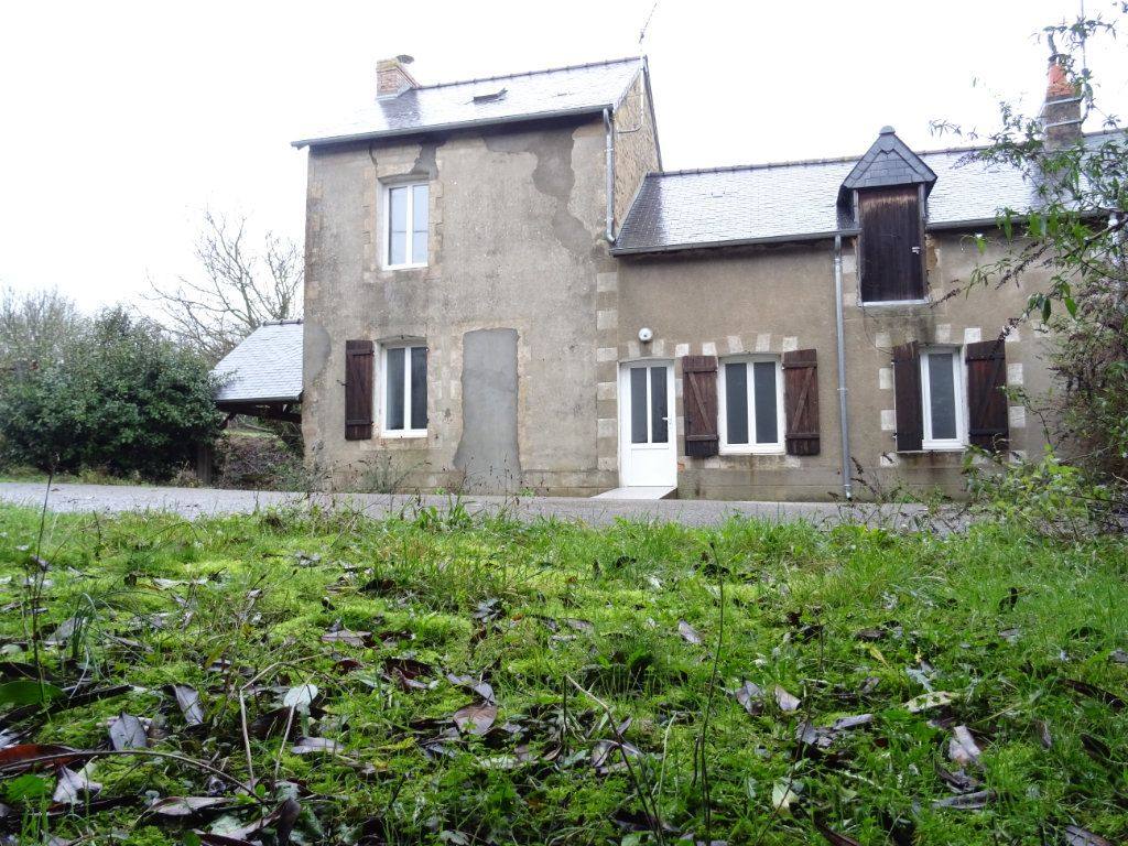 Maison à vendre 4 75m2 à Sougé-le-Ganelon vignette-1