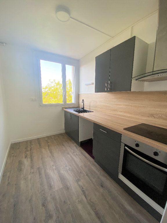 Appartement à louer 3 61.61m2 à Alençon vignette-1