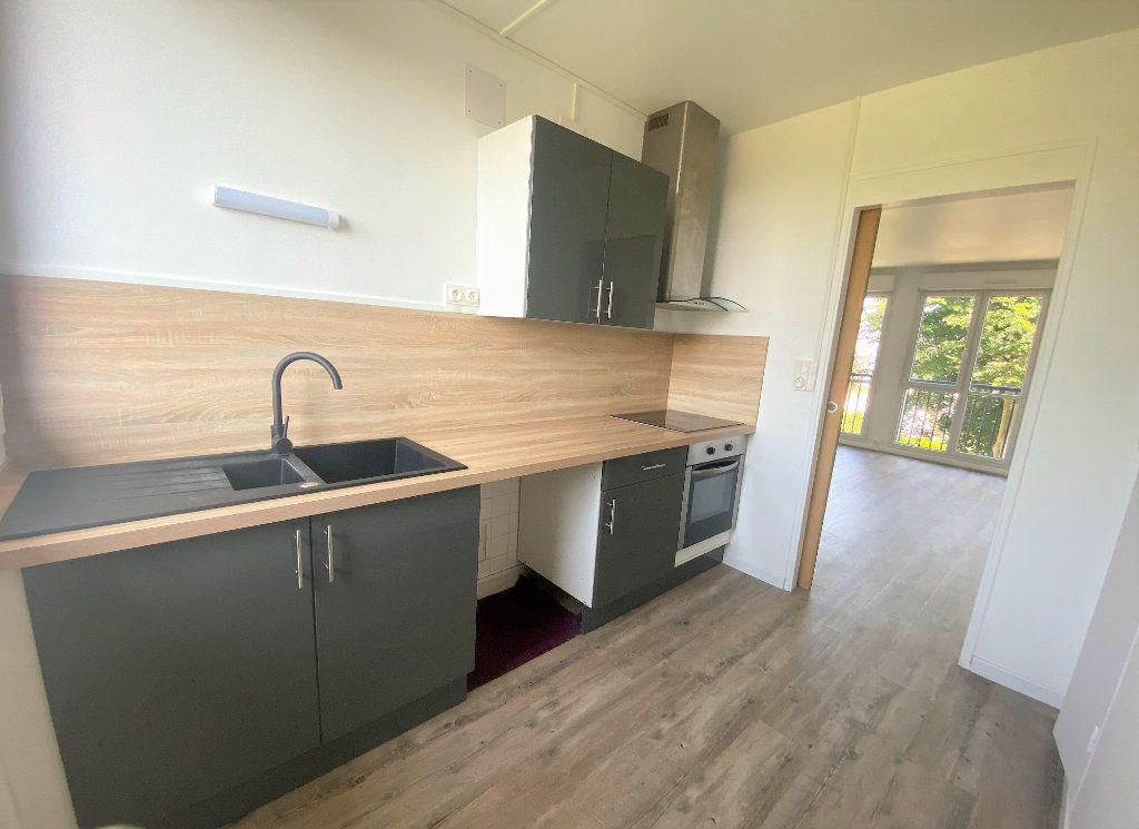 Appartement à louer 3 61.61m2 à Alençon vignette-4