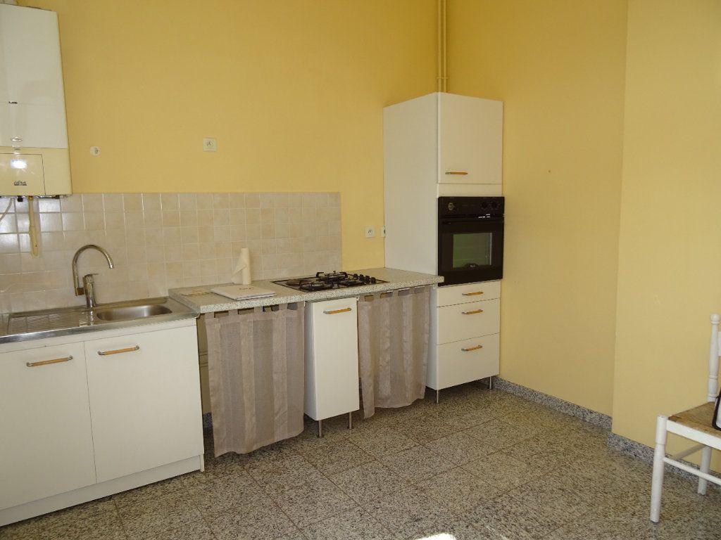Appartement à louer 2 50.45m2 à Nogent-le-Rotrou vignette-2
