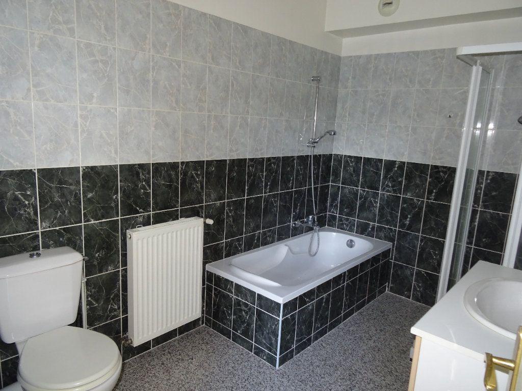 Appartement à louer 2 50.45m2 à Nogent-le-Rotrou vignette-3