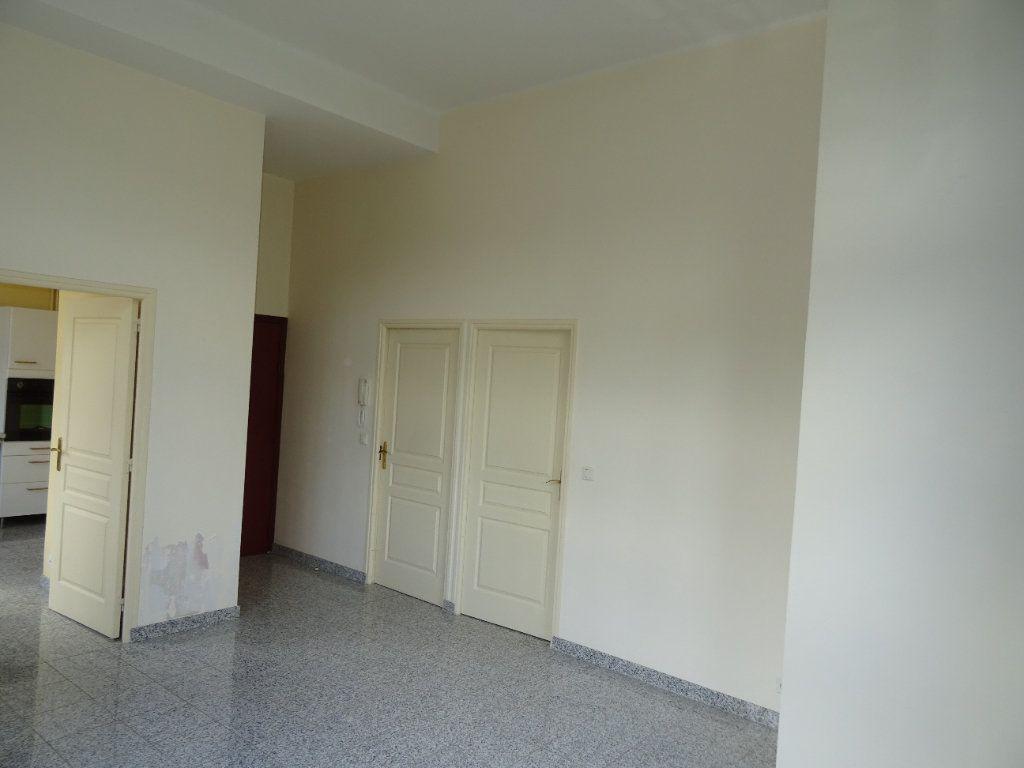 Appartement à louer 2 50.45m2 à Nogent-le-Rotrou vignette-6