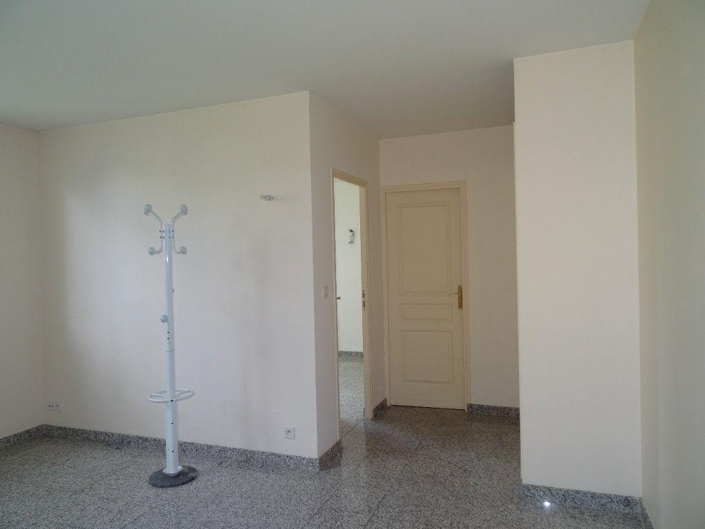 Appartement à louer 2 42.7m2 à Nogent-le-Rotrou vignette-2