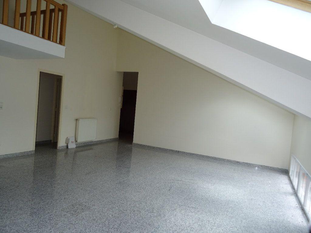 Appartement à louer 4 75.5m2 à Nogent-le-Rotrou vignette-2