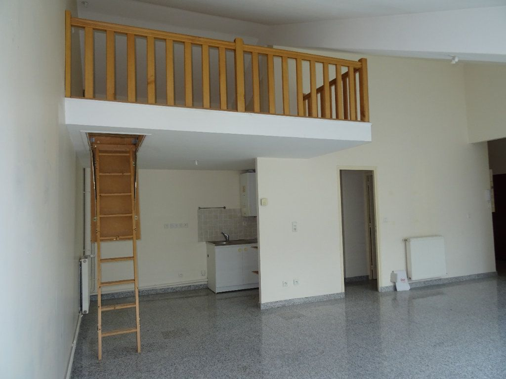 Appartement à louer 4 75.5m2 à Nogent-le-Rotrou vignette-3