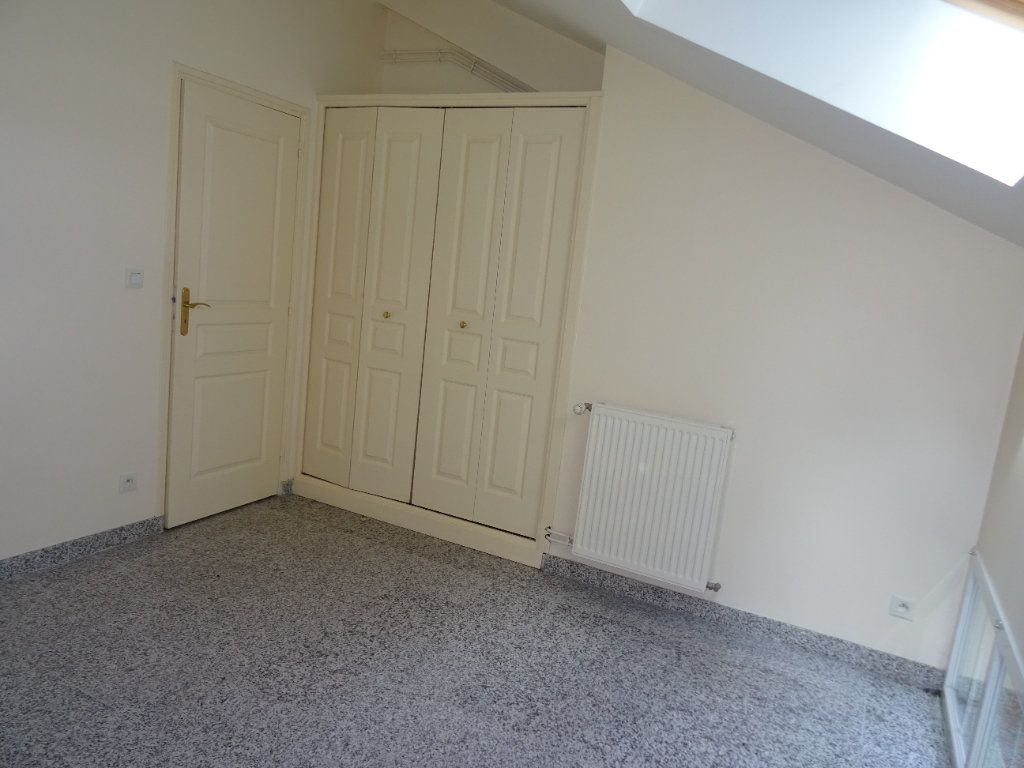 Appartement à louer 4 75.5m2 à Nogent-le-Rotrou vignette-7
