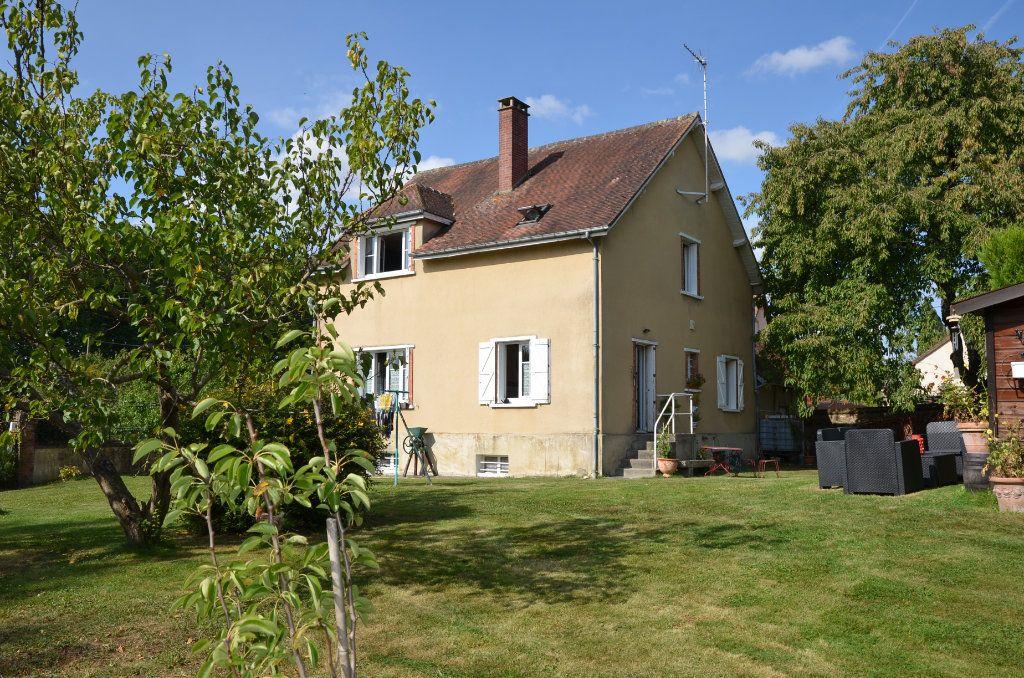 Maison à vendre 8 140m2 à Mortagne-au-Perche vignette-1