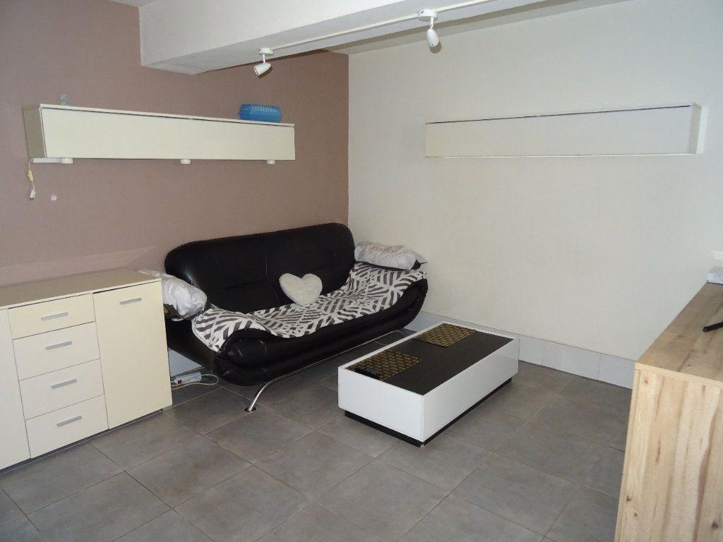 Appartement à louer 1 29.88m2 à Nogent-le-Rotrou vignette-1