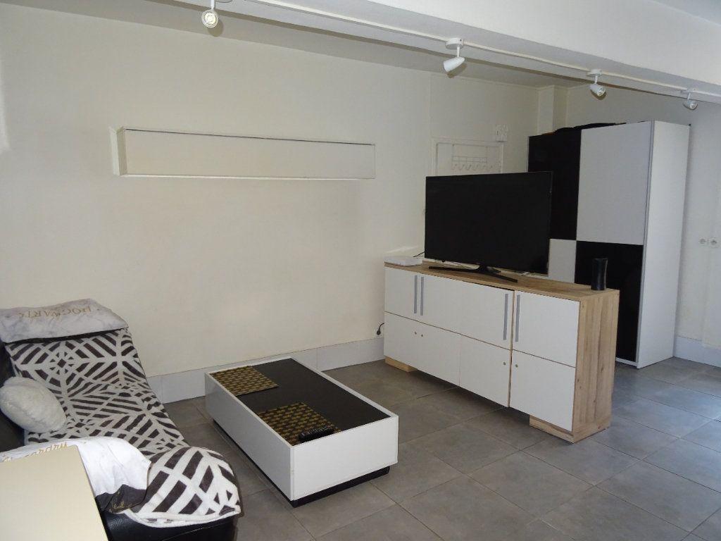 Appartement à louer 1 29.88m2 à Nogent-le-Rotrou vignette-3