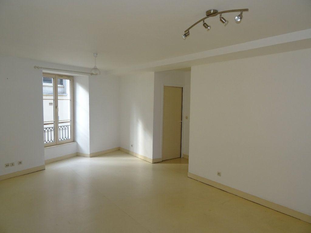 Appartement à louer 4 68m2 à Nogent-le-Rotrou vignette-2