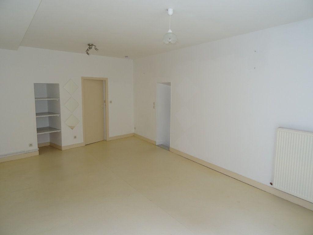 Appartement à louer 4 68m2 à Nogent-le-Rotrou vignette-5