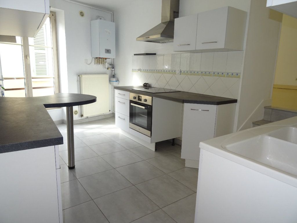 Appartement à louer 4 68m2 à Nogent-le-Rotrou vignette-12