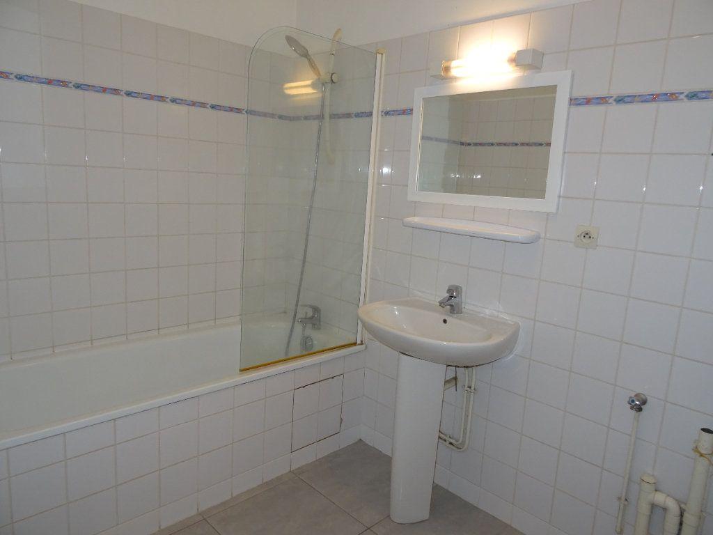 Appartement à louer 4 68m2 à Nogent-le-Rotrou vignette-13